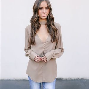 Tops - FROM ME TO YOU KEYHOLE BLOUSE in mocha